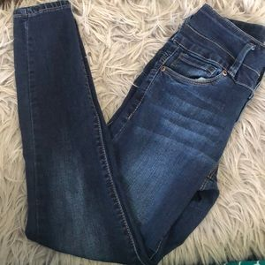 ✨3 for $25✨ Bluenotes high rise jeggings!!